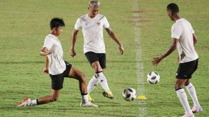 JELANG Hadapi UEA, 7 Pemain Indonesia Belum Dimainkan, Shin Tae-yong Tak Ada Bongkar Lini Bawah
