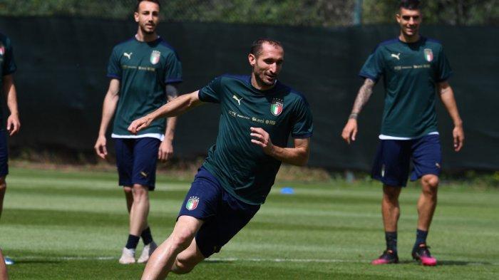 Skuat Italia berlatih - Jadwal siaran bola malam ini uji coba Italia vs San Marino.