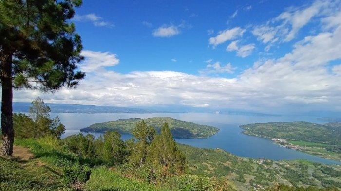 Geosite Sipinsur, Lokasi Terbaik Melihat Keindahan Danau Toba dari Ketinggian