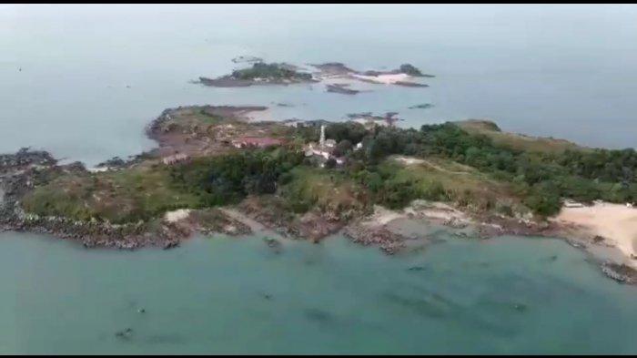 Pemandangan Pulau Jemur dari atas.