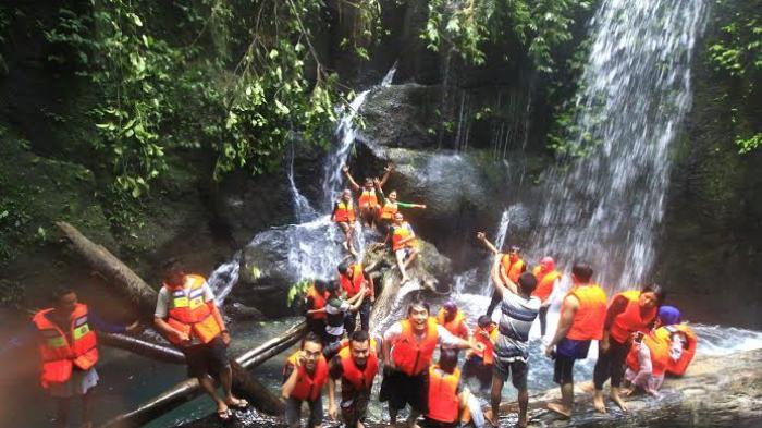 Pemandian Air Terjun Teroh-teroh di Desa Rumah Galoh, Kecamatan Sei Bingei, Langkat, Sumatera Utara