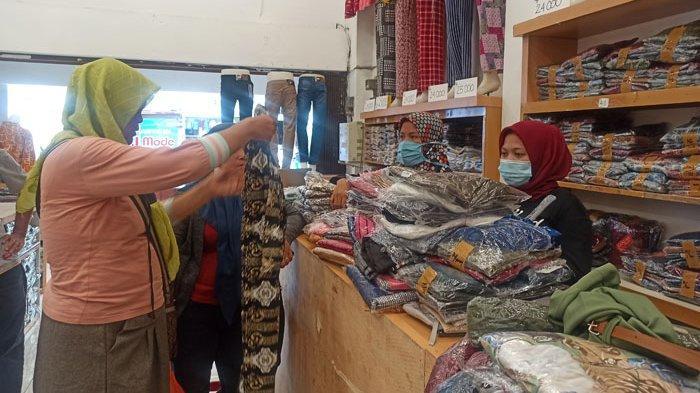 Jelang Ramadan, Toko Busana di Medan Mulai Diserbu Pembeli, Omset Meningkat 30 Persen