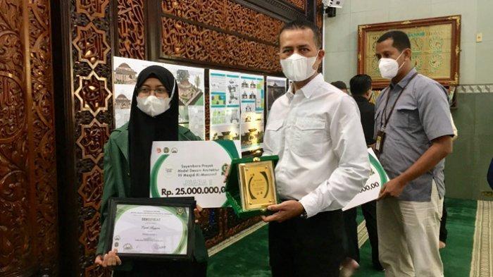 Wagubsu Serahkan Penghargaan Kepada Pemenang Sayembara Desain Arsitektur Mihrab dan 99 Masjid