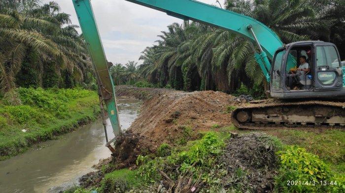Antisipasi Banjir di Musim Hujan, Pemkab Asahan Normalisasi Saluran Pembuangan Air