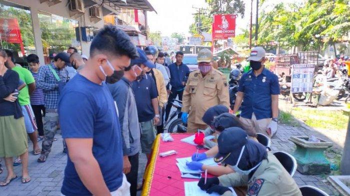 Hari Kedua Razia Masker di Medan, Ratusan KTP Warga Ditahan