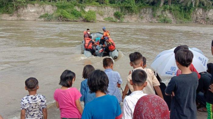 Hingga Pencarian Hari Kedua, Dua Remaja Hanyut di Sungai Silo Beting Kisaran Belum Ditemukan