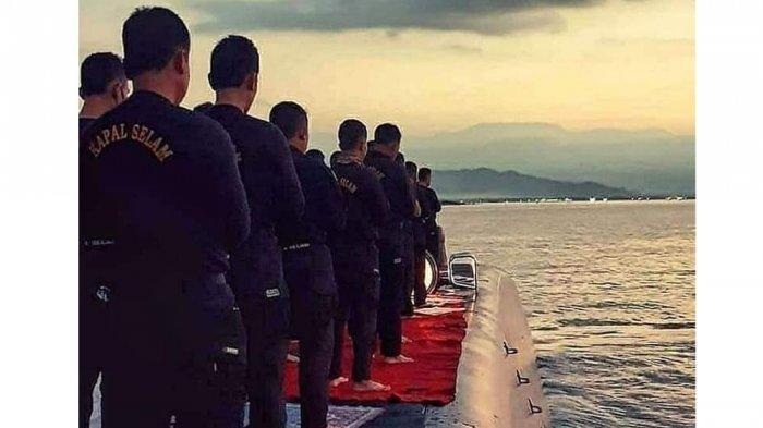 Foto saat awak KRI Nanggala-402 melakukan ibadah di atas kapal yang viral beberapa waktu lalu