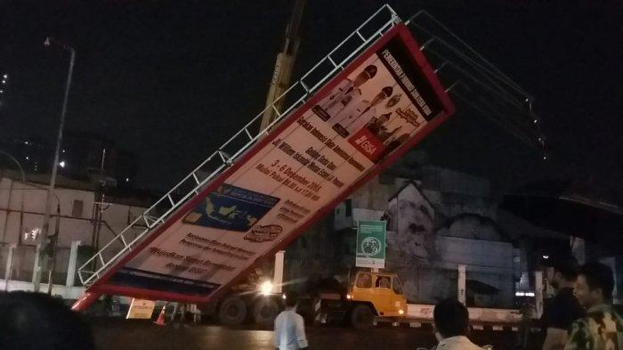 1.909 Papan Reklame Ilegal 'Tumbang' Selama 3 Bulan, Jalan Pangeran Diponegoro Prioritas Satpol PP
