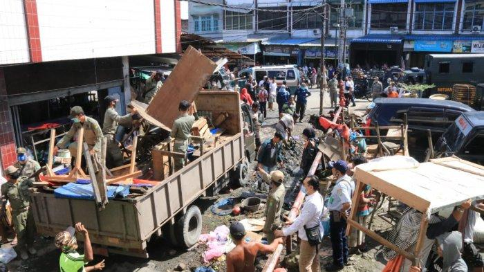 Ganggu Kelancaran Lalu Lintas, Pemkot Medan Tertibkan PKL di Pasar Kampung Lalang