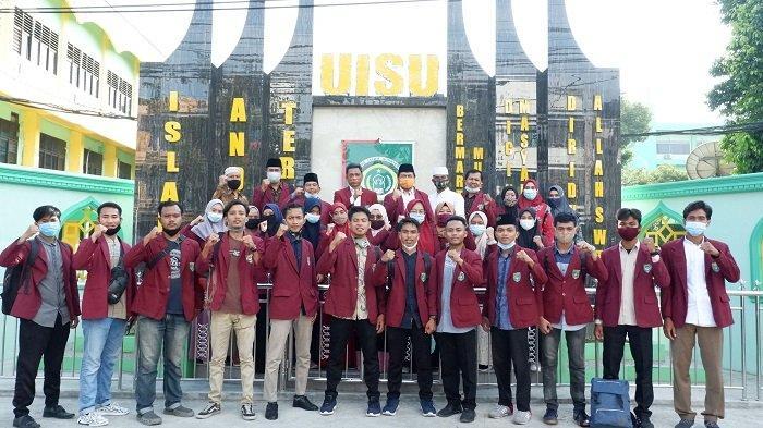 Rektor Lepas PKM Mahasiswa FAI UISU ke Batubara