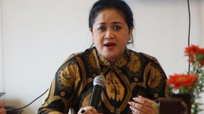 Pengamat pertahanan Universitas Indonesia Connie Rahakundini Bakrie dalam sebuah diskusi di Jakarta, Minggu (19/2/2017).