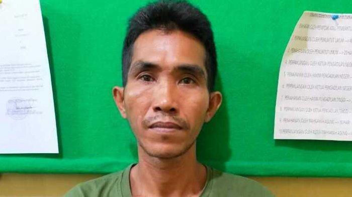 Ini Wajah Pelaku Pria Bermukena yang Nyaris Bunuh Pengurus Masjid saat Kepergok Maling Kotak Infaq
