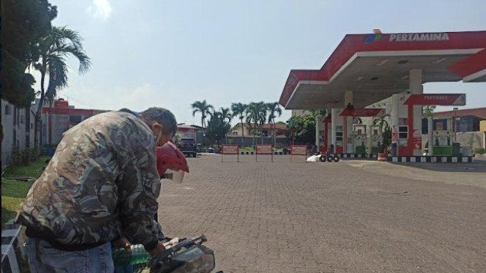 BBM di SPBU Medan Banyak Kosong, Pengendara Sampai Sejam Dorong Motor untuk Dapatkan Bahan Bakar