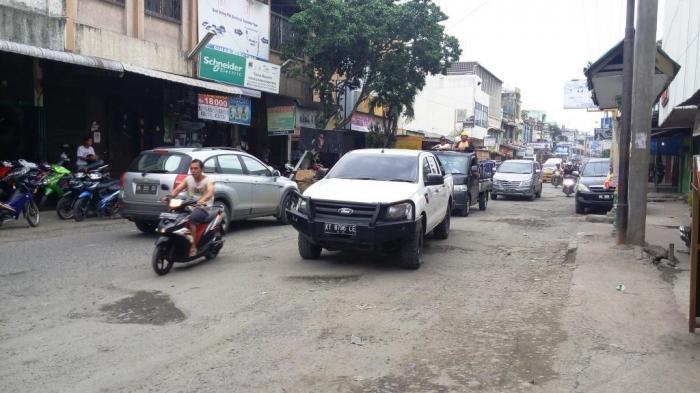 Pemko Medan Tak Bisa Benahi Jalan Rusak Akibat Proyek Pipa dari Pusat