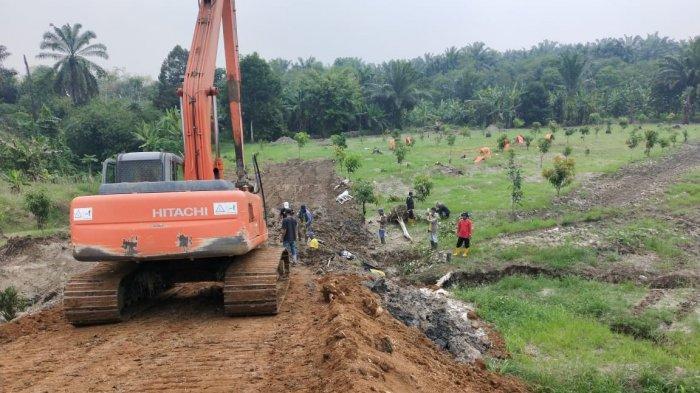 Akses Jalan Masuk Mobil Ambulans untuk Pemakaman Jenazah Covid-19 di Medan Selesai Dua Hari Lagi