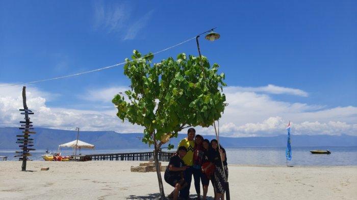 Nikmati Keindahan Danau Toba Dengan Suasana Asri dan Teduh di Pantai Sigurgur Samosir