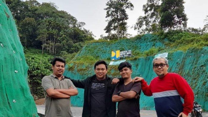Tebing Jalan Desa Poriaha-Rampa Tapteng, jadi Spot Menarik untuk Swafoto