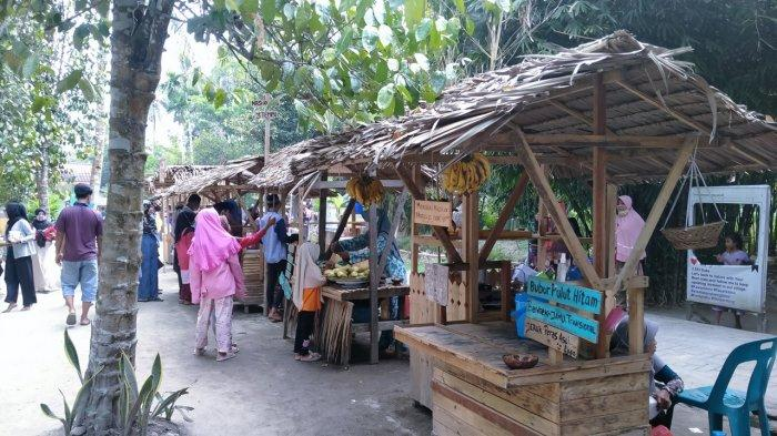 Nuansa Desa di Kampung Lama, Ada Makanan Tradisional