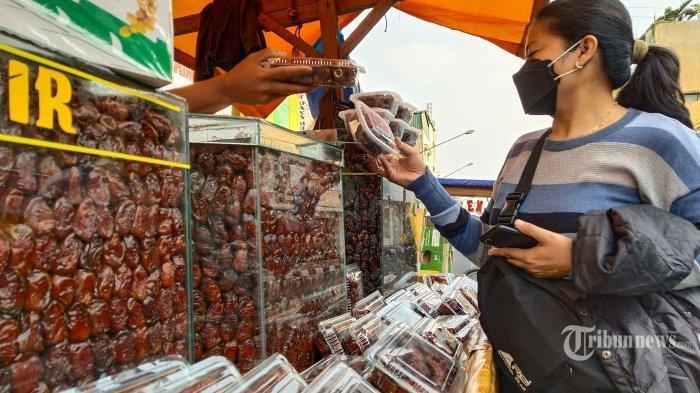 Biro Travel Haji Kini Banting Setir Jualan Kurma