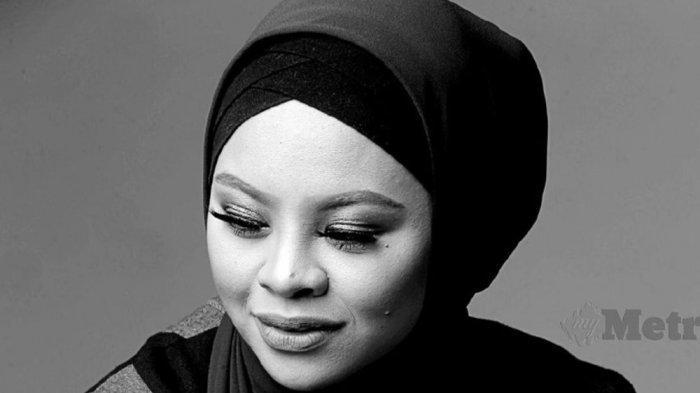 Almarhumah penyanyi Siti Sarah yang pernah disebut-sebut sebagai penerus Diva Siti Nuhaliza