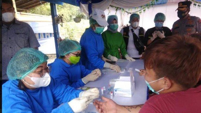 Personel Gabungan Wajib Mengecek Dokumen dan Kesehatan Pengemudi yang Masuk ke Karo