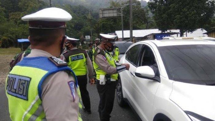 Satlantas Polres Karo Pergok Belasan Kendaraan Barang yang Coba Angkut Pemudik