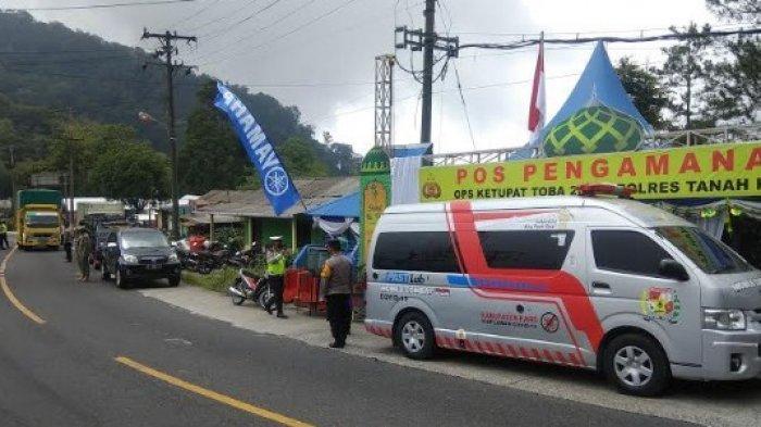 Penyekatan Mudik Tanah Karo, Petugas Gabungan Cek Dokumen dan Kesehatan Pengendara yang Masuk Karo