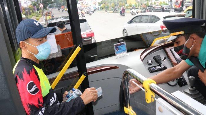 Permudah Masyarakat Naik Bus Trans Metro Deli, Pemkot Medan Bagikan 5000 Sumut Card