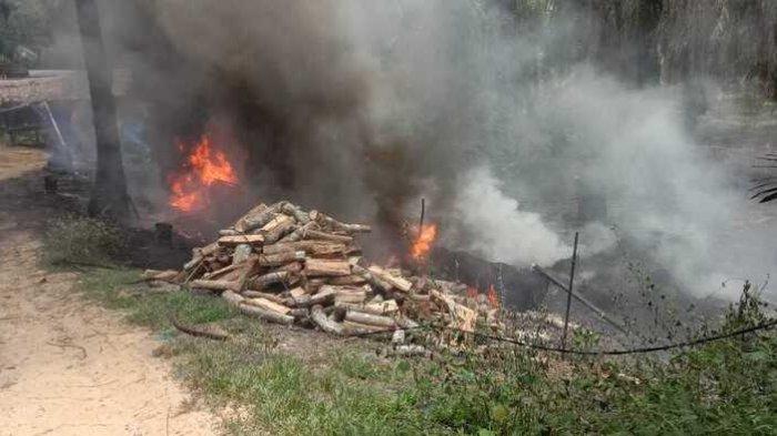 Dapur Minyak Mentah di Kecamatan Padang Tualang Langkat Kembali Terbakar