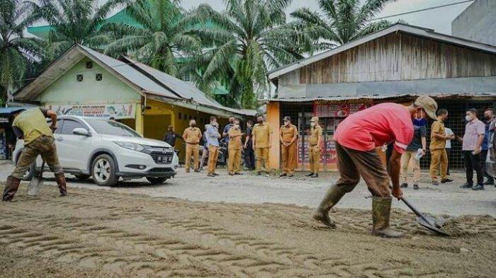 Janji Bobby Nasution Mulai Diwujudkan, Pemko Medan Segera Perbaiki Jalan Depan Pasar Sukaramai