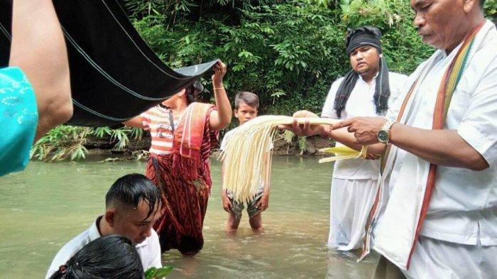 Lihat Uniknya Menikah Dengan Upacara Agama Asli Etnik Karo, Mirip Hindu di Bali