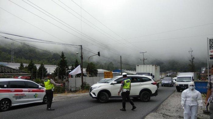 BREAKING NEWS: Tindak Tegas Polres Tanah Karo pada Pengendara dan Pengunjung Mau Berwisata