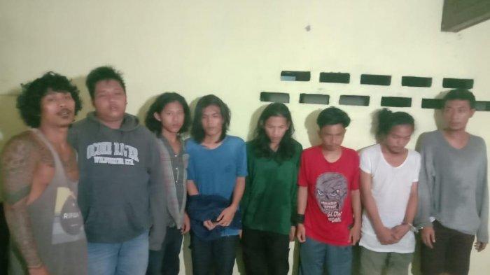 Isap Ganja di Halaman Sekolah, Petugas Polres Simalungun Tangkap Delapan Pemuda