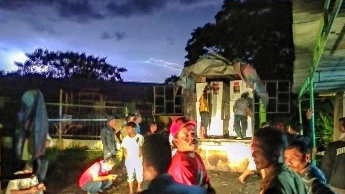 Cuaca Buruk, KPU Dairi Kebut Distribusi Logistik Pemilu 2019