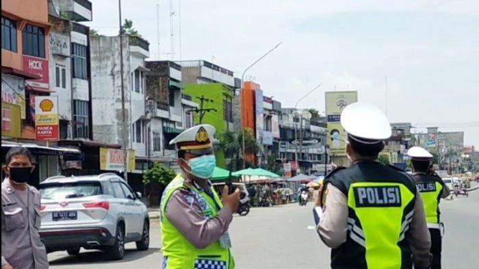 Momen Petugas Kalang Kabut Lihat Helikopter Kapolda Sumut Pantau PPKM Darurat