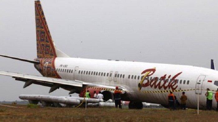 Ban Pesawat Batik Air Amblas Di Manokwari Seluruh Penumpang Selamat Langsung Dievakuasi Tribun Medan
