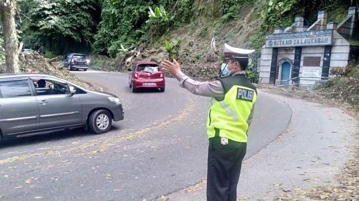 Urai Kemacetan Arus Balik Libur Imlek, Puluhan Polisi Berjaga di Jalur Medan-Berastagi