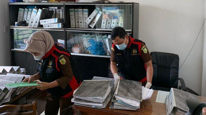 BREAKING NEWS Kejati Sumut Geledah Kantor PDAM Tirtalihou Simalungun