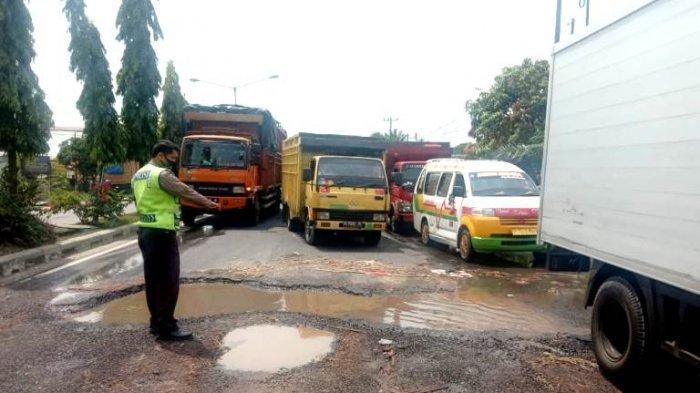 Direktur PDAM Tirta Deli Ngamuk, Pipa Pecah Bikin Jalan Rusak Tapi tak Dilapor