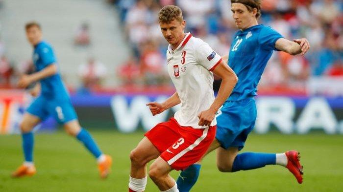 timnas Polandia yang dikapteni oleh penyerang subur Bayern Muenchen, Robert Lewandowski, justru nyaris kalah atas Islandia