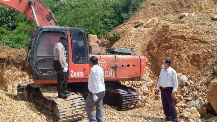 Polres Humbahas Sita Ekskavator dari Pertambangan Batu di Doloksanggul