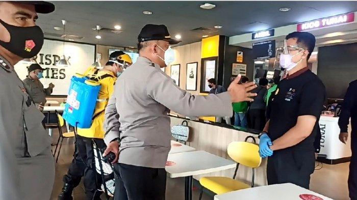 Polisi Ngamuk Lihat Kerumunan Driver Ojol di McDonalds, Kanit Sabhara: Jaga Jaraknya