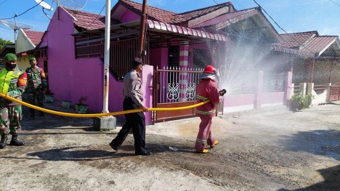 Siantar Zona Kuning, Polres Lakukan Penyemprotan Disinfektan Di Beberapa Kawasan