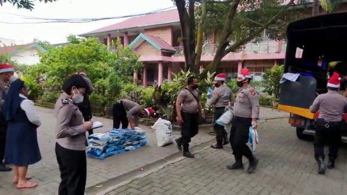 Sambut Nataru, Polrestabes Medan Sat Sabhara Berbagi Kasih ke Panti Sosial dan Warga Kurang Mampu