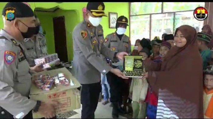32.905 Kepala keluarga Warga Samosir Sudah Terima Bantuan Covid-19
