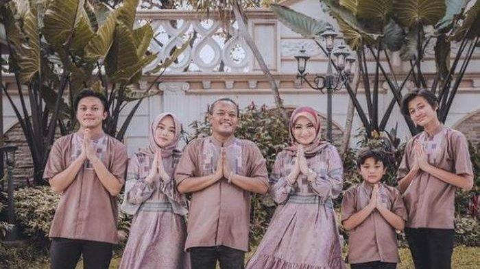 Potret keluarga Sule di hari Raya Idul Fitri 2021, dengan kondisi Nathalie Holscher hamil anak pertama