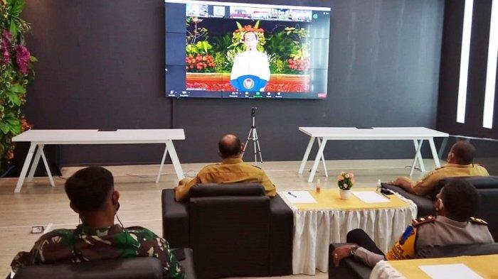 Dokumentasi rapat koordinasi (rakor) kepala daerah seluruh Indonesia secara daring dari ruang Langkat Command Center (LCC) Kantor Bupati Langkat, pada Rabu (28/4/2021).
