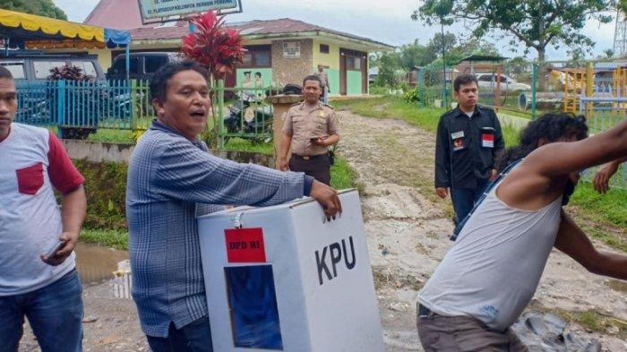 KPU Dairi Kerahkan 15 Truk Distribusikan Logistik Pemilu ke Wilayah Terjauh