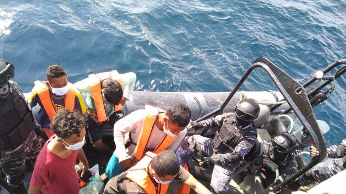 TNI AL Jemput Lima Nelayan Deliserdang yang Terdampar di Pulau Jarak Perairan Malaysia