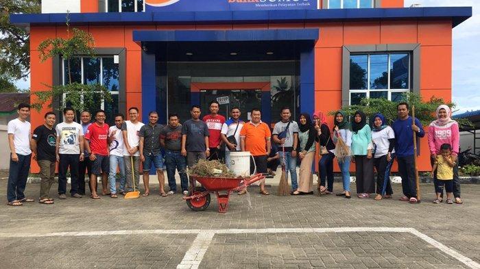 PT Bank Sumut Bersihkan Kantor dan Lingkungan Kerja Sambut Bulan Suci Ramadan 1440 H